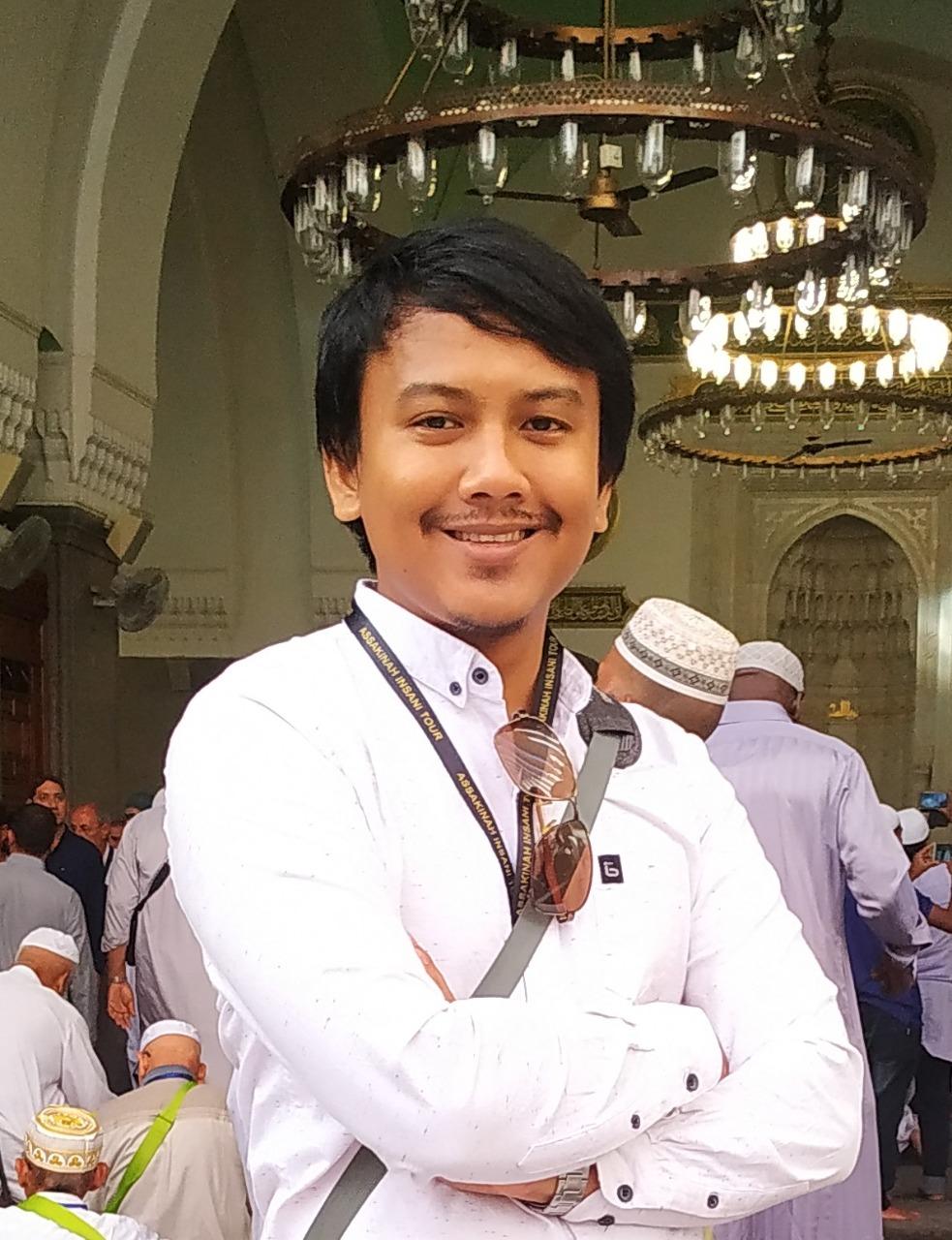 Ade Kurniawan ♥ Associate Writer